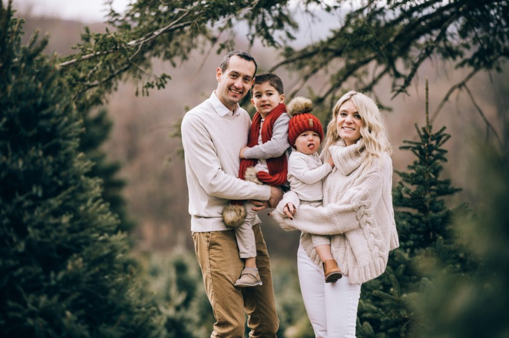 Holiday Family Session At Emmerich Tree Farm Fox Hare Photo